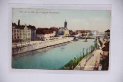 Graz mit der Mur bei niedrigsten Wasserstand